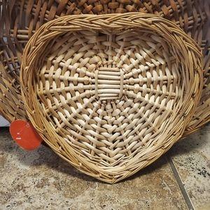 ♡ Vintage Heart wicker basket ♡